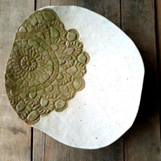 patera, rękodzieło, na nóżkach, koronka, ceramika - Artiszok