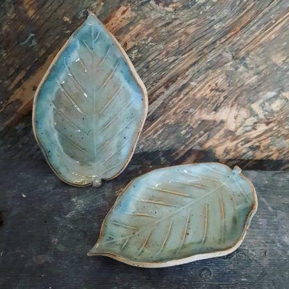 ceramiczny talerzyk - zielononiebieski liść, palo santo - Artiszok